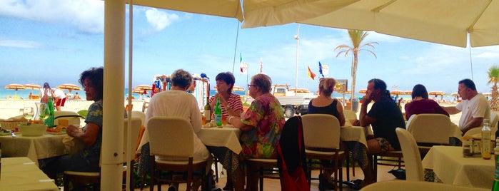 Ristorante Hotel Miraspiaggia is one of Sicilia.