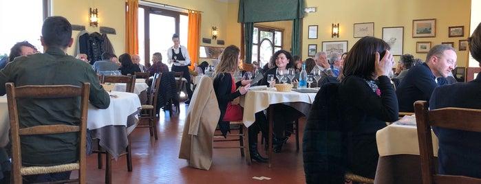 Taverna Del Cacciatore is one of สถานที่ที่ K ถูกใจ.