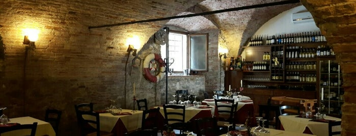 Ristorante Ancora is one of Lugares favoritos de Andrea.