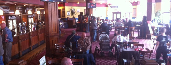 The Sun (Wetherspoon) is one of Lieux qui ont plu à Carl.