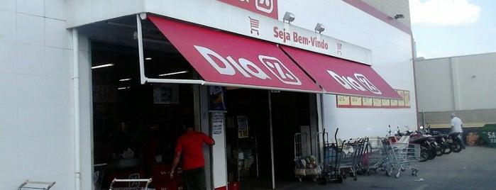 DIA % Supermercado is one of Locais curtidos por Carlos.