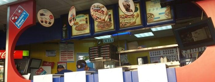 Domino's Pizza is one of Lugares favoritos de 1U2G.
