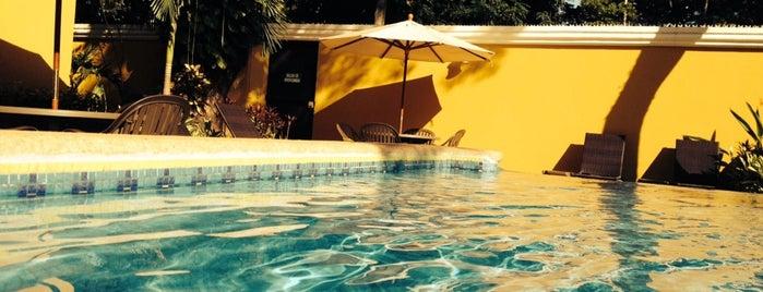 Hotel Chablis is one of Lugares favoritos de Ricardo.