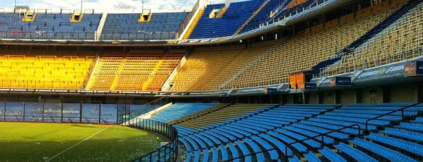 "Estadio Alberto J. Armando ""La Bombonera"" (Club Atlético Boca Juniors) is one of Tempat yang Disukai Malu."