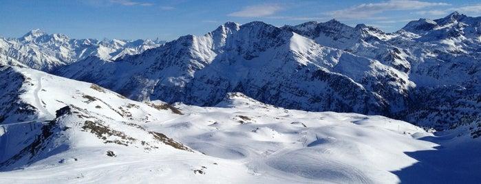 La Thuile is one of Dove sciare.