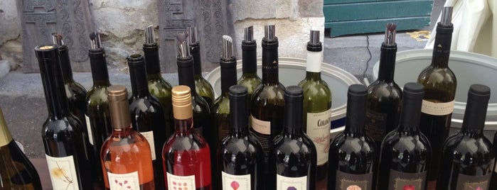 Domaine De La Vigne Blanche is one of Geneva wineries.