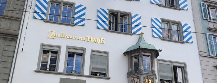 Zur Haue / Zunfthaus zum Kämbel is one of Özlem'in Beğendiği Mekanlar.