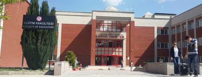 İlahiyat Fakültesi is one of Hasanさんの保存済みスポット.