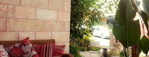 La Vie Cafe is one of Ram.