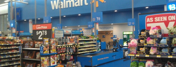 Walmart Supercenter is one of Tempat yang Disukai Alberto J S.