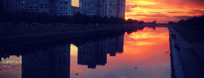 Smolenka River is one of Orte, die Татьяна gefallen.