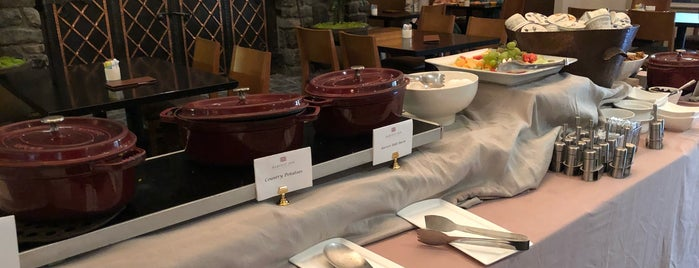 Harvest Table is one of Tania : понравившиеся места.