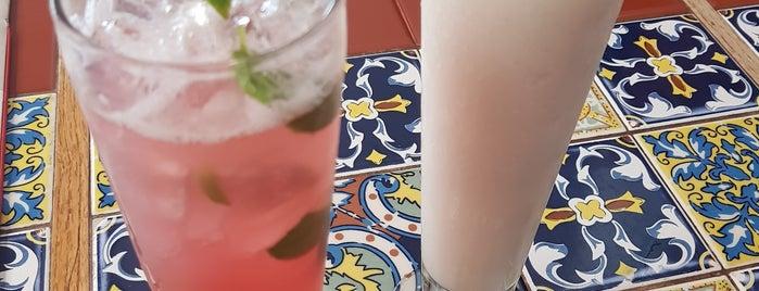 Chili's Grill & Bar is one of Tempat yang Disukai Hector.