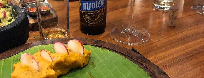 Porfirio's Restaurant is one of Locais curtidos por Ericka.