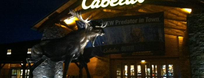 Cabela's is one of Locais curtidos por Bara.