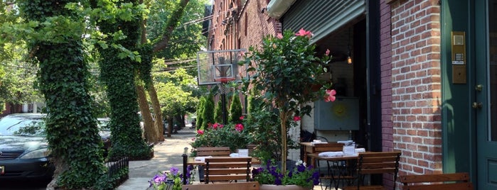 Light Horse Tavern is one of Restaurants.