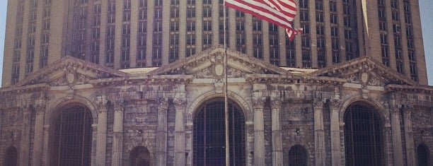 Michigan Central Station is one of Crazy Places.
