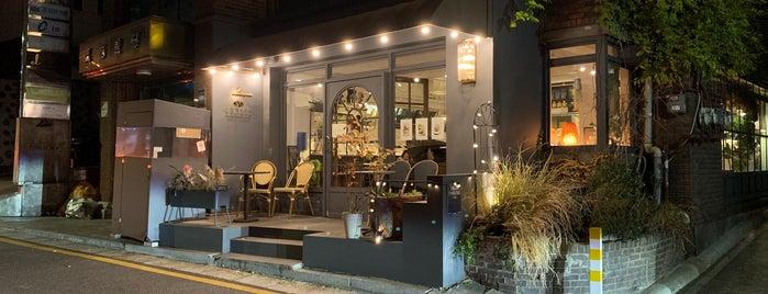 카페 그라쎄 is one of Seoul.