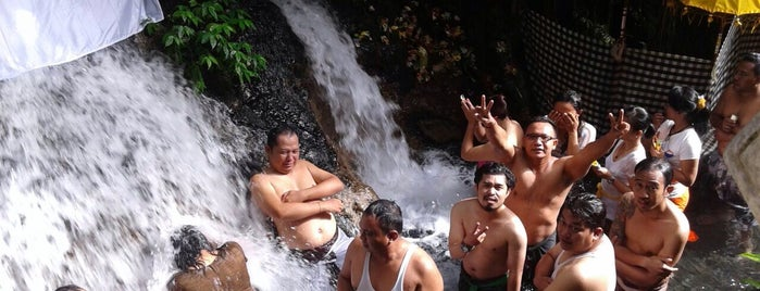 Pemelukatan Sebatu is one of สถานที่ที่ vane ถูกใจ.