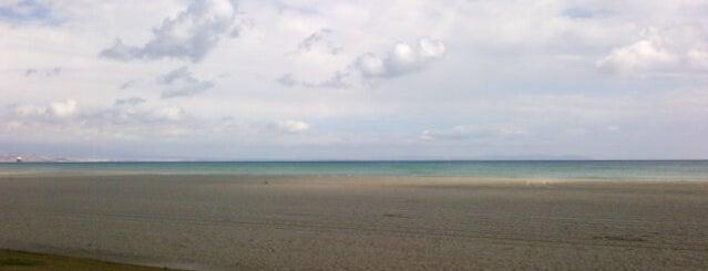 Playa de La Bajadilla is one of Luisa'nın Beğendiği Mekanlar.