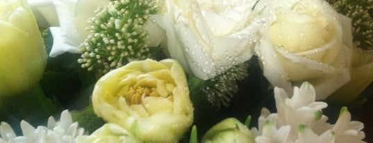 Rococo Flowers is one of สถานที่ที่บันทึกไว้ของ Verbalicious.
