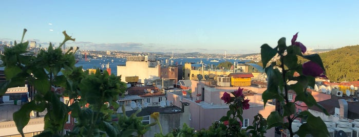 Roof Mezze 360 Restaurant is one of GURME LEZZETLER (ESNAF & SALAŞ).