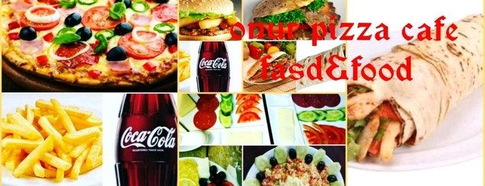 Onur Pizza Cafe is one of สถานที่ที่บันทึกไว้ของ Emre.