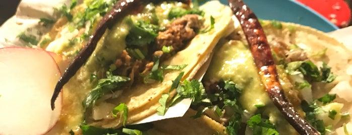 Tacos Hollywood is one of Orte, die Chris gefallen.