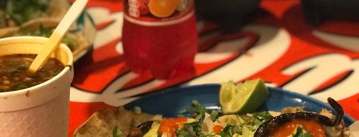 Tacos Hollywood is one of Tempat yang Disimpan Chris.