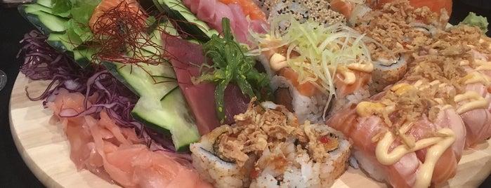 Sushi Na Vila is one of Lieux qui ont plu à João.