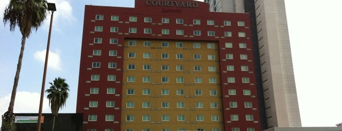 Courtyard by Marriott is one of Carolinaさんのお気に入りスポット.
