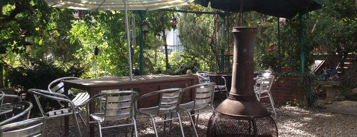 Kasbah Garden Cafe is one of Lugares guardados de Arsalan.