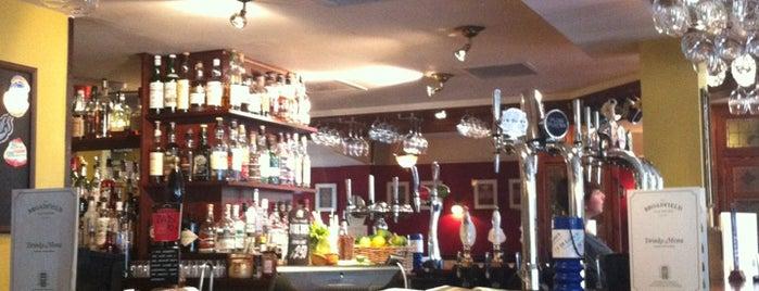 Broadfield Ale House is one of Posti che sono piaciuti a Marcus.
