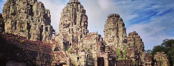 Angkor Thom (អង្គរធំ) is one of Lieux qui ont plu à Selvi.