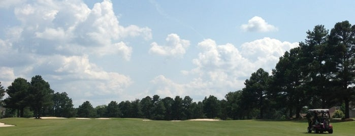 Carolina Trace Country Club is one of Bryanさんのお気に入りスポット.