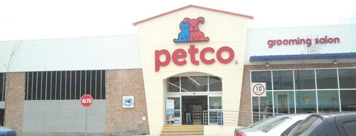 Petco is one of Orte, die Paco gefallen.