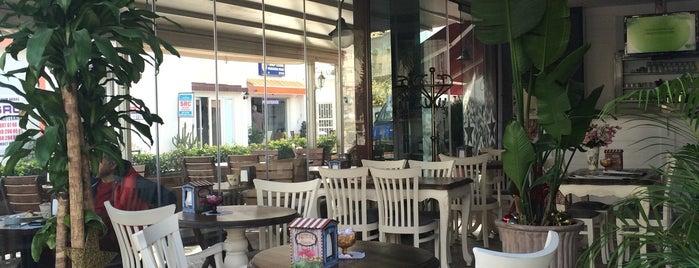 Royal Pastanesi is one of Tempat yang Disukai ENES.