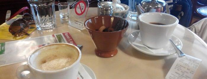 Lotos Cafe is one of Antonia 님이 좋아한 장소.