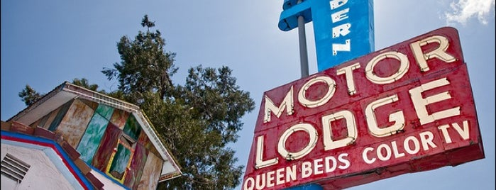 Modern Motor Lodge is one of Northern CALIFORNIA: Vintage Signs.