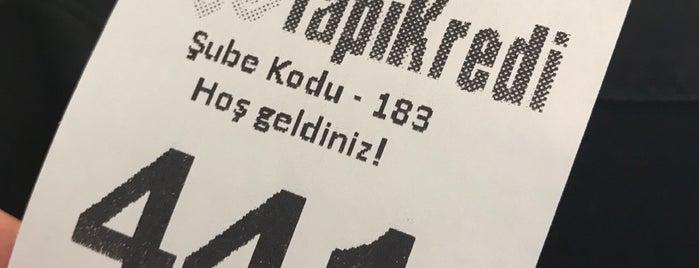 Yapı Kredi Bankası is one of Locais curtidos por Ebru.