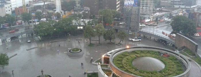 Glorieta de Insurgentes is one of México.