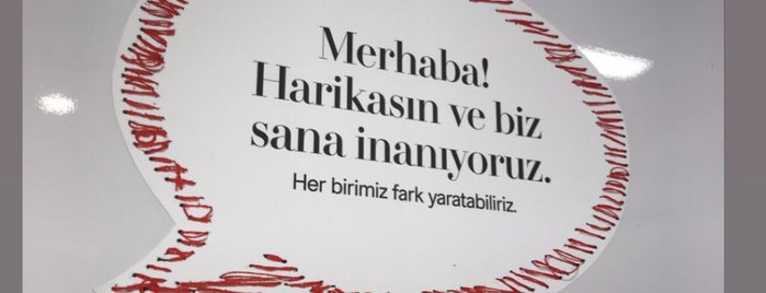 H&M is one of İstanbul 2.
