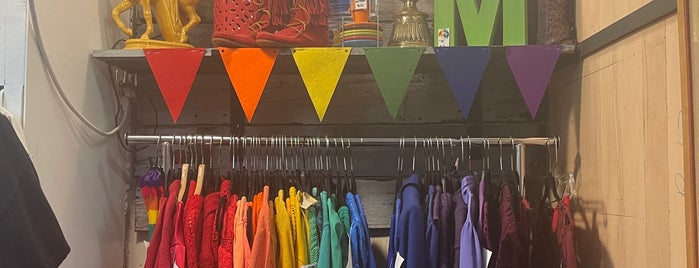 Red Fox Vintage is one of Vintage Thriftin' PDX.
