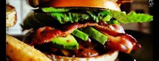 The New York Burger & Grill is one of Lieux sauvegardés par Gaby.