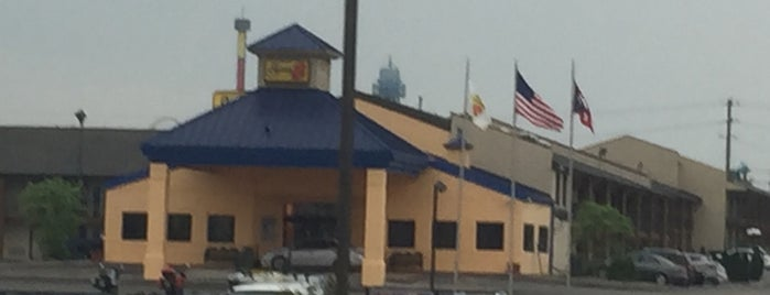 Super 8 is one of Ohio Hotels.