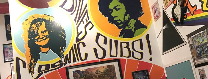 The Original Dave's Cosmic Subs is one of Lugares favoritos de Kate.