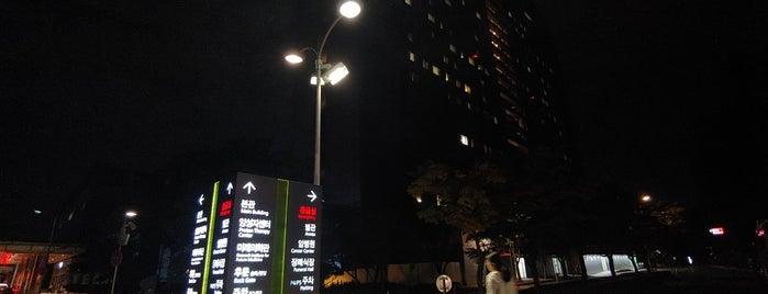 Samsung Medical Center is one of Lugares favoritos de Kyusang.