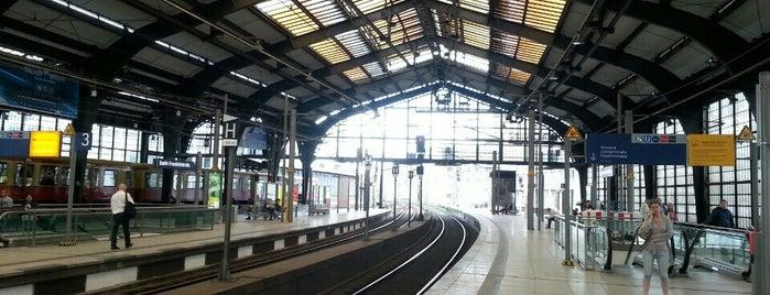Bahnhof Berlin Friedrichstraße is one of Allemagne ♥︎.