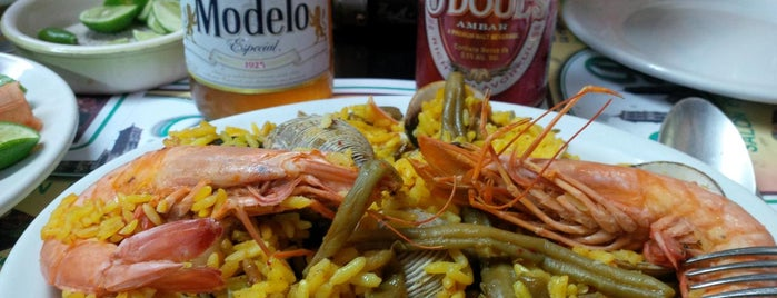 Salon Puebla is one of 24 horas de comida en CDMX.