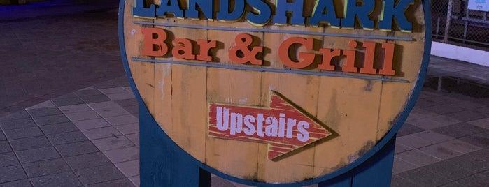 LandShark Bar & Grill is one of Locais curtidos por Consta.